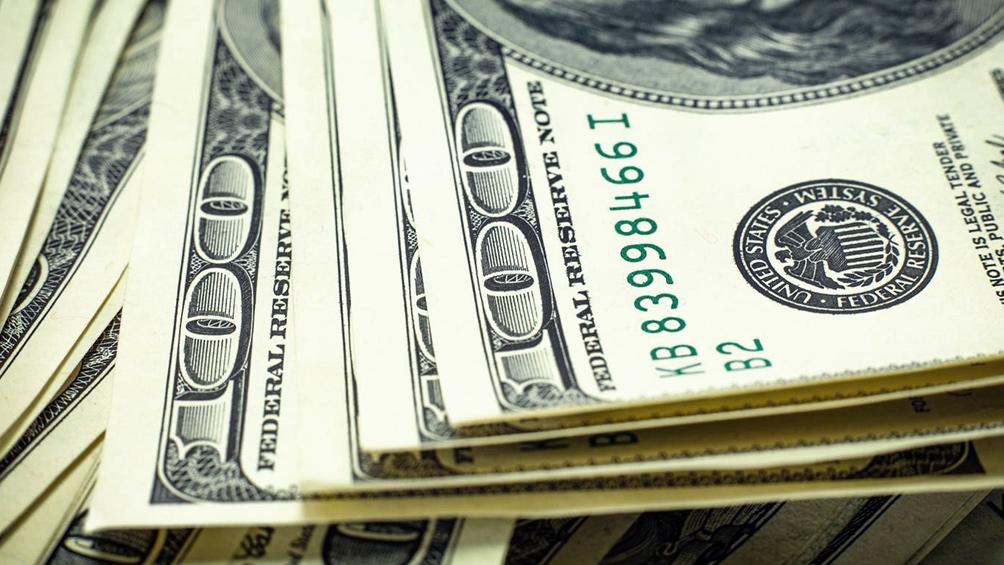 Baja el dólar acompañado por una baja en la tasa de Leliq