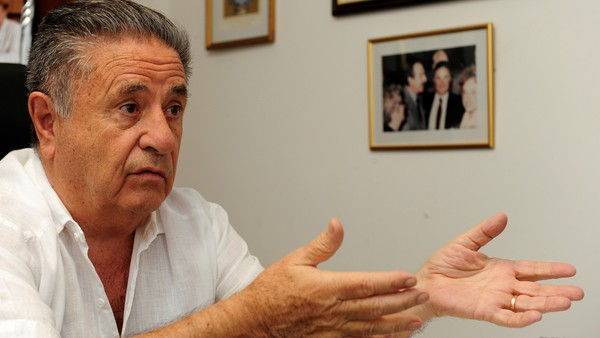 Eduardo Duhalde se sumó a la defensa de un juez polémico