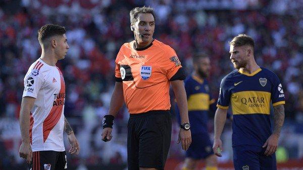River-Boca: el 1×1 de las polémicas bajo la mirada del árbitro Fernando Rapallini