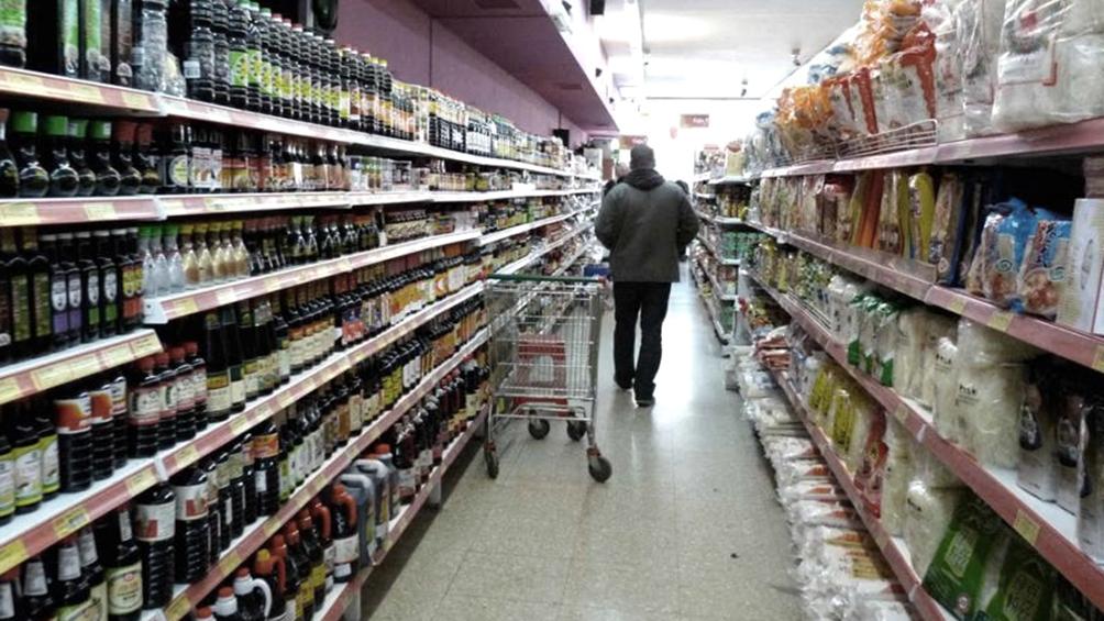 La inflación del año sería del 55% y el PBI caería 2,5%, según expectativas del mercado
