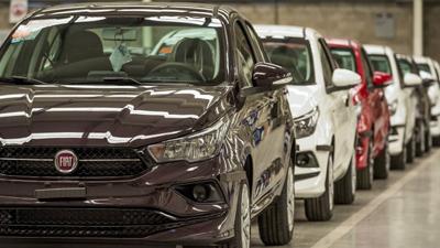 La producción automotriz se desplomó 37,5% en agosto