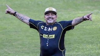 Negociaciones contrarreloj y el asistente familiar del Diez: Maradona cada vez más cerca de Gimnasia
