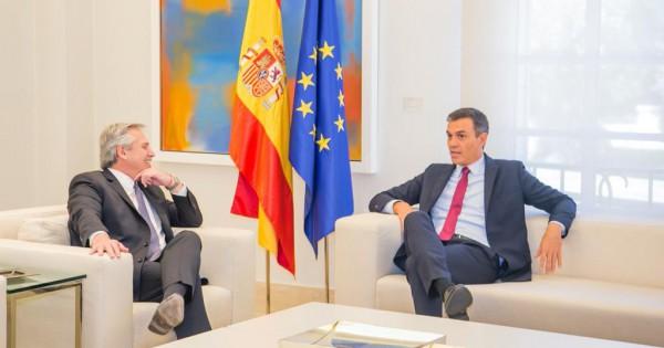Alberto le pidió ayuda a Sánchez con el FMI y negó que se oponga al acuerdo con la Unión Europea