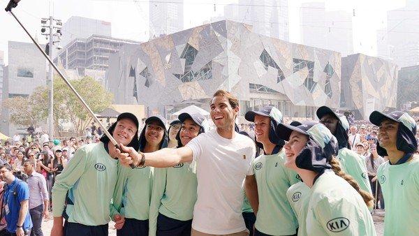 Las mil y una ideas que los tenistas usaron para ayudar a la lucha contra los incendios en Australia