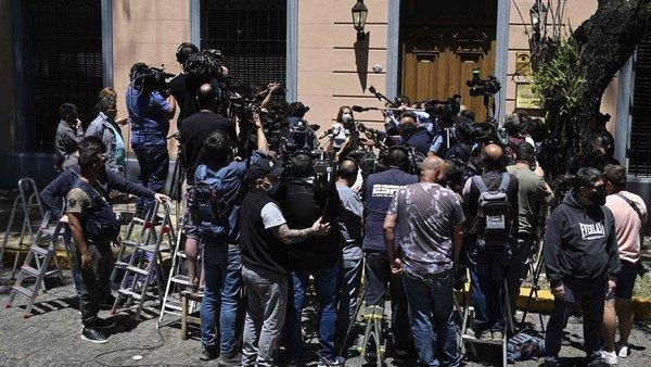 """Para los fiscales, el seguimiento médico de Diego Maradona fue """"totalmente deficiente"""" y """"descontrolado"""""""
