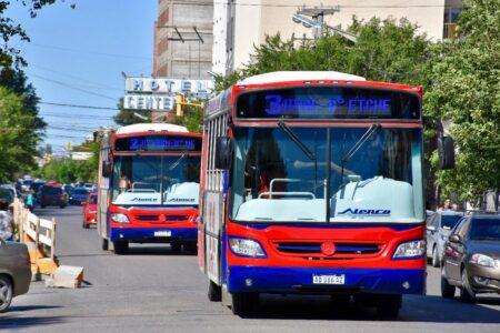 Tras el paro anunciado por UTA, se retomó el servicio de transporte público de pasajeros en Trelew