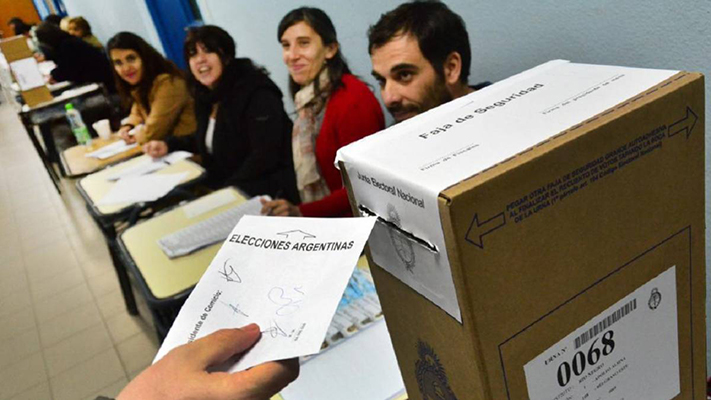 los-chubutenses-eligen-candidatos-antes-que-partidos-politicos