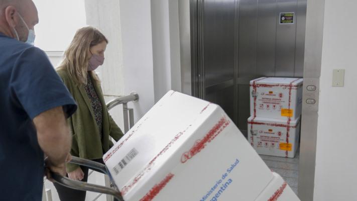 chubut-recibe-otro-lote-de-9.200-dosis-de-la-vacuna-china-sinopharm