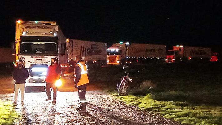 reclamo-vecinal-por-el-transito-de-camiones-por-ruta-1