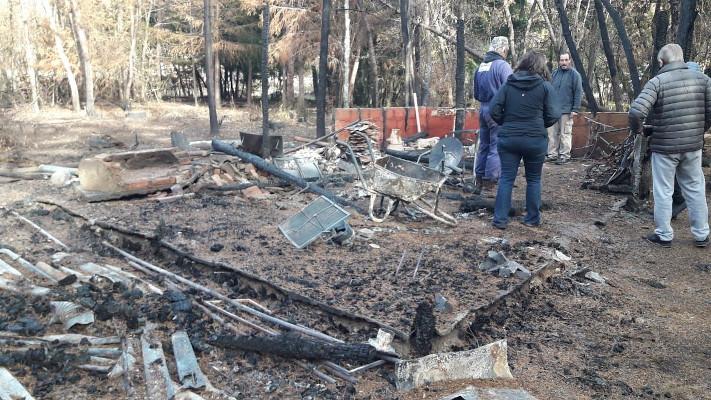 comarca-andina:-privados-colaboran-con-vecinos-damnificados-por-los-incendios