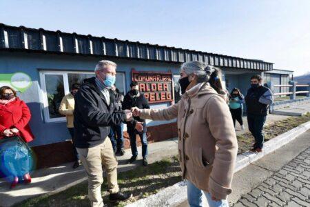 arcioni-firmo-convenios-para-la-construccion-de-viviendas-en-seis-comunas-rurales