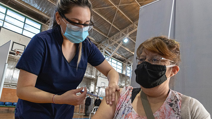 argentina-duplico-el-ritmo-de-vacunacion-contra-el-coronavirus
