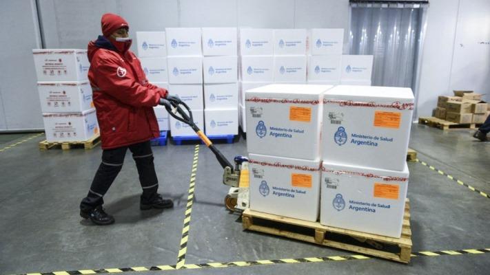 argentina-recibe-este-lunes-1134.000-dosis-de-la-vacuna-astrazeneca