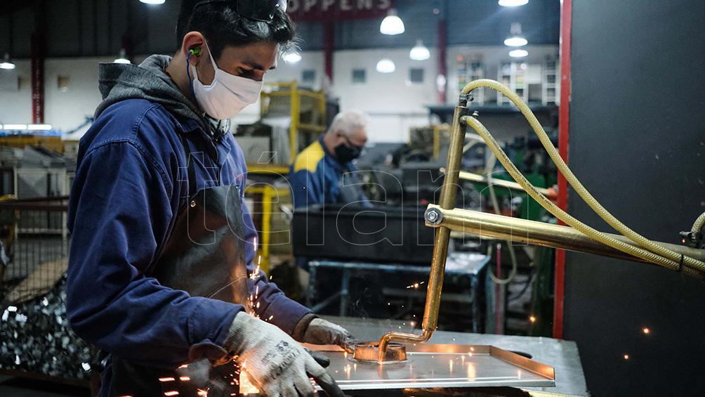 """augusto-costa:-""""ya-se-recuperaron-mas-de-10.000-puestos-de-trabajo-en-la-industria"""""""