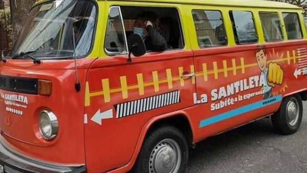 """""""la-santileta"""":-la-camioneta-militante-que-sigue-a-diego-santilli-en-campana"""