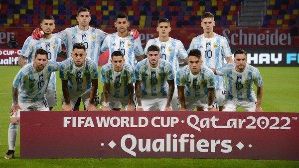 eliminatorias:-el-conflicto-entre-las-ligas-de-europa-y-la-fifa-le-dejaria-solo-9-futbolistas-a-scaloni