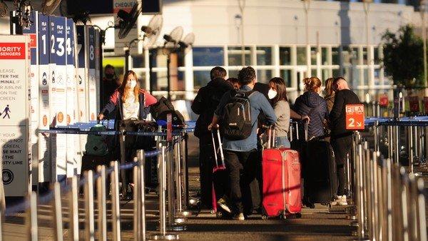 el-gobierno-levanta-la-cuarentena-obligatoria-para-los-argentinos-que-regresen-de-viajes-laborales-o-comerciales