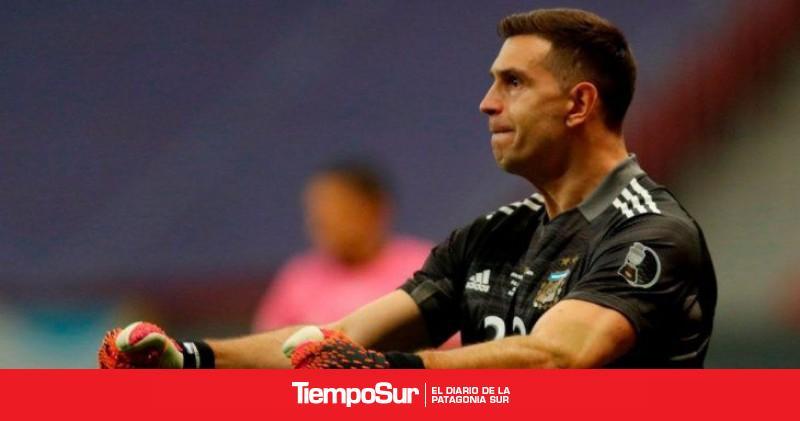 """dibu""-martinez-desobedece-a-la-premier-league:-viajara-a-argentina"