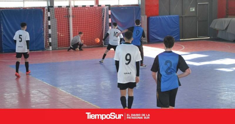 se-jugo-la-tercera-fecha-del-torneo-de-futbol-barrial-para-la-juventud