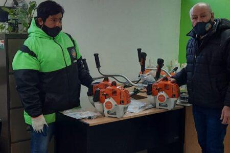rawson:-ambiente-recibio-donacion-de-equipamiento-para-el-embellecimiento-de-espacios-verdes