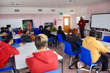 trelew:-curso-de-ayudante-de-mozo-y-camarero-para-estudiantes-de-la-escuela-especial-n°6