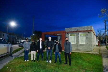 trelew:-se-inauguraron-luminarias-de-tecnologia-led-en-el-barrio-san-jose