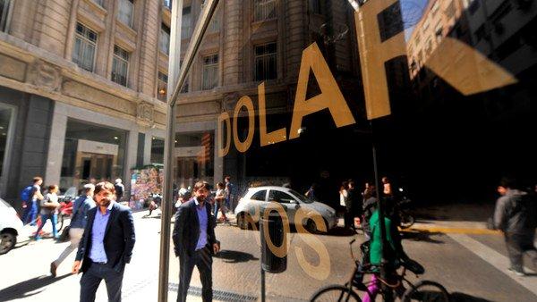 dolar-blue-hoy:-a-cuanto-cotiza-este-martes-14-de-septiembre