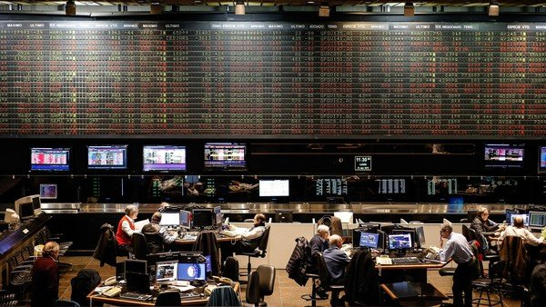 en-la-pelea-entre-alberto-y-cristina,-¿de-que-lado-se-paran-los-mercados?