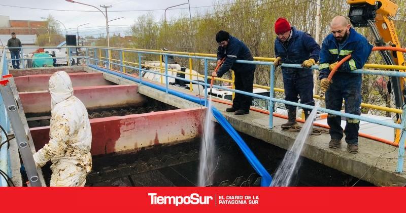 comenzo-la-limpieza-en-la-planta-potabilizadora-de-agua-de-rio-gallegos