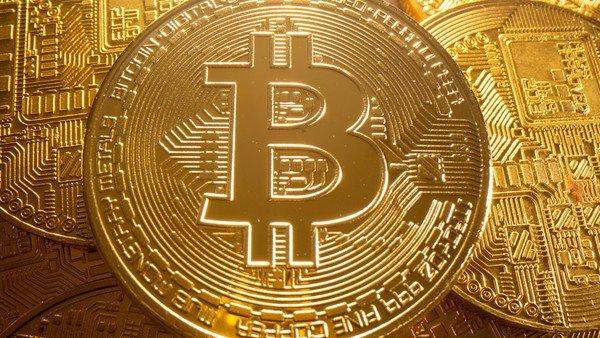 bitcoin-escala-mas-de-9%-y-se-afianza-por-encima-de-los-us$-50.000