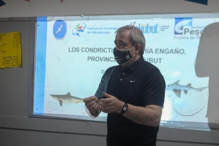 alumnos-de-la-emal-reciben-capacitacion-sobre-recurso-pesquero