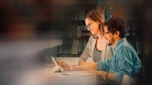 tecnologia,-negocios-e-idiomas:-santander-lanza-3.000-becas-para-estudiar-en-el-exterior