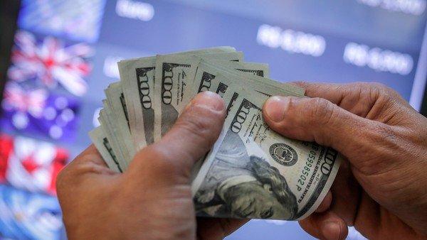 dolar:-el-blue-arranca-la-semana-en-su-maximo-historico-de-$-195-y-la-brecha-cerca-del-96%