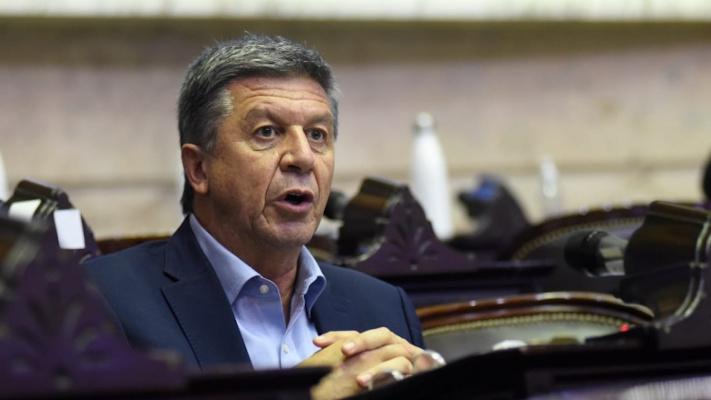 menna-denuncio-«discrecionalidad»-en-reparto-del-atn-de-$300-millones-a-municipios-opositores